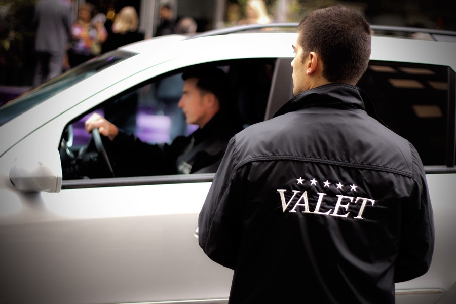 Benefits to Hiring Valet Service for Your Special Event
